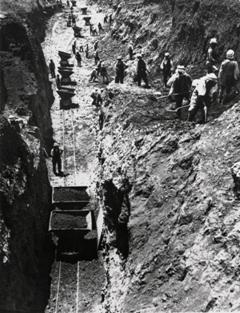 Lavori di costruzione della ferrovia Algeri-Tunisi. Souk-Ahras, Algeria, 1929-1930 (Fondazione Sella - Biella)