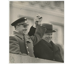 Unknown author, Untitled (Yuri Gagarin and N. Khruschev), 1960s, Silver gelatin print, Collection of Multimedia Art Museum, Moscow, [Copyright] Multimedia Art Museum, Moscow