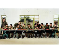 "Adi Nes, Untitled (dalla serie ""Soldiers""), 1999; courtesy: Adi Nes - Galleria Praz-Delavallade, Paris"