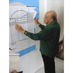 Oscar Niemeyer and his design